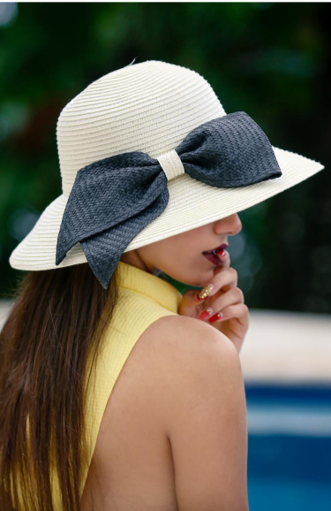 Sun hat with ribbon
