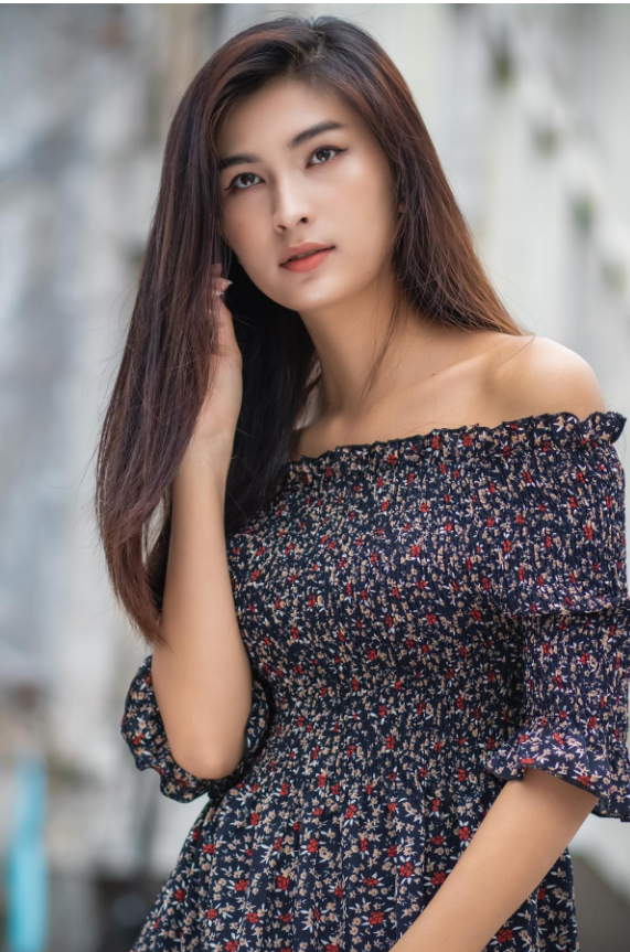 Small floral printed off shoulder blouse