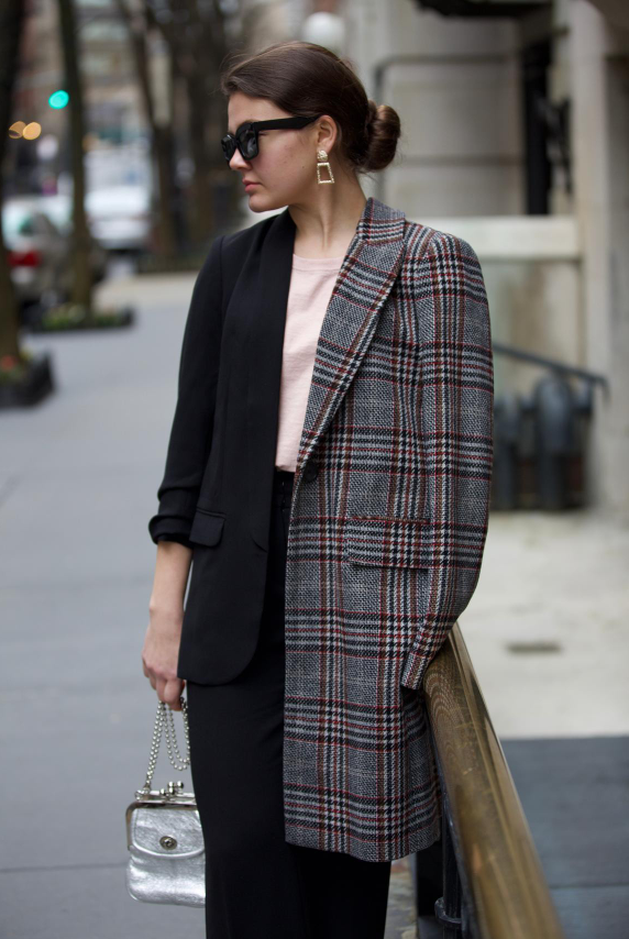 Gray overcoat with check pattern