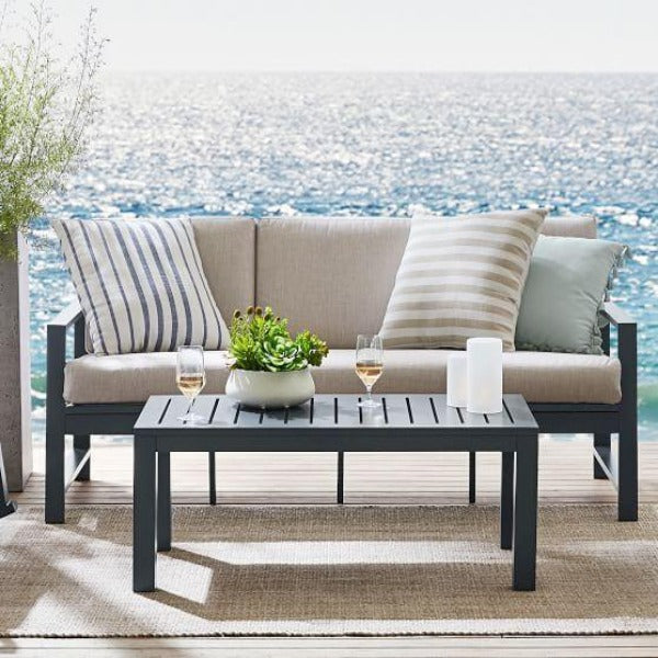 Perfect Summer Outdoor Lounge Metal Sofa with Table