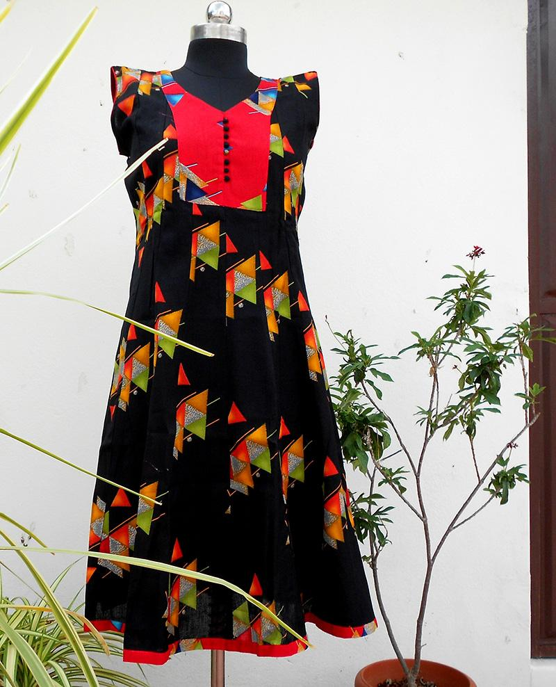 Aastha black red geometry panelled kurti - STUDIO PEHEL