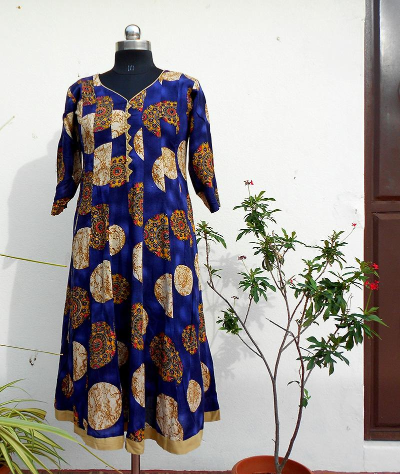 Aastha Blue pannelled cotton kurti - STUDIO PEHEL