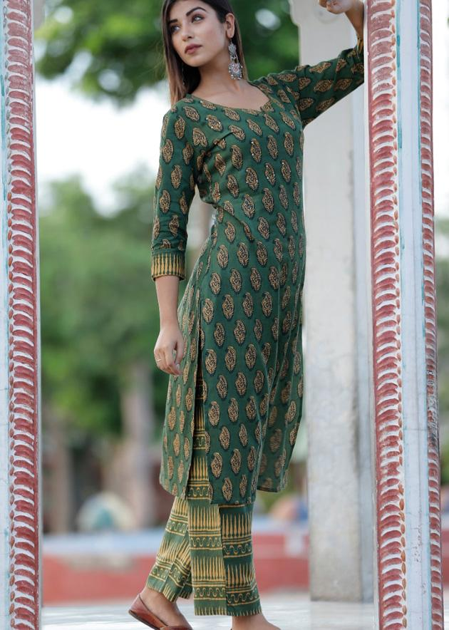 Green kurti and pant with prints and hand work - STUDIO PEHEL
