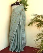 Load image into Gallery viewer, Beautiful Pastel dusty green linen zari saree