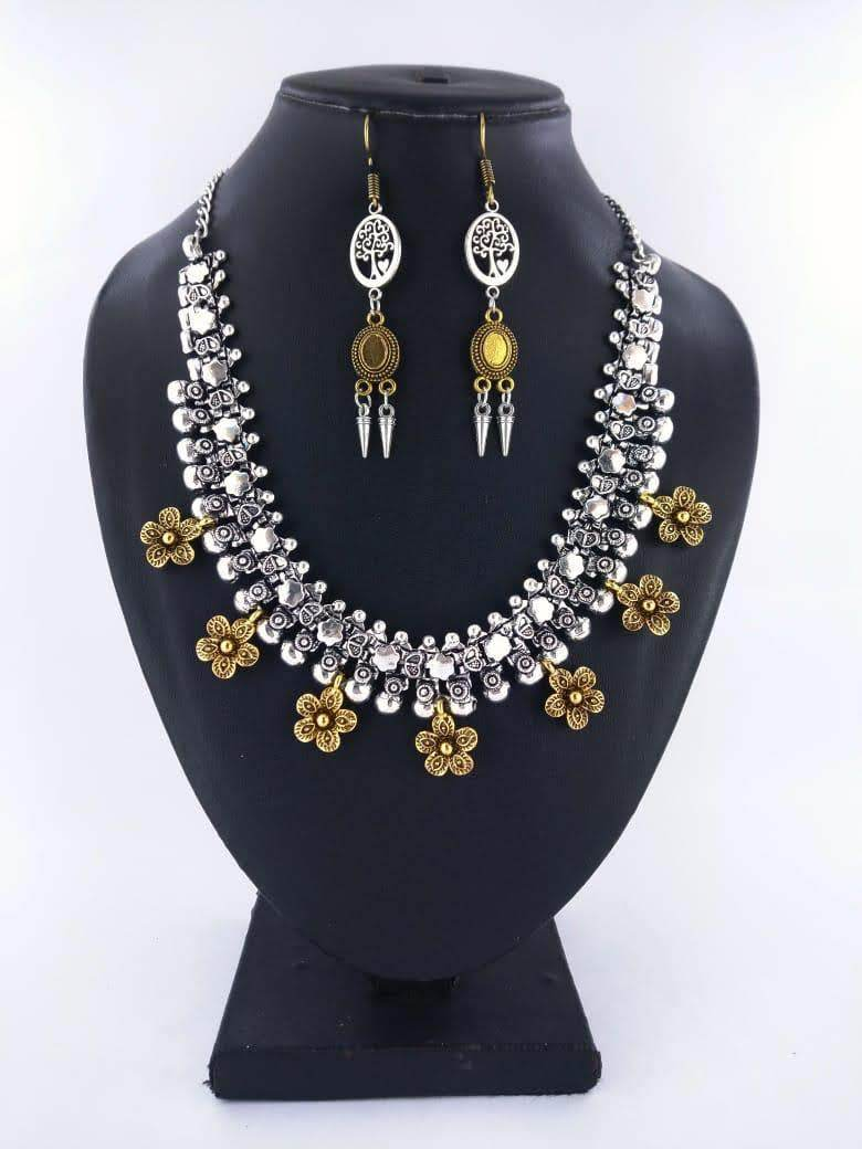 Alli floral gold necklace - STUDIO PEHEL