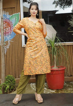 Load image into Gallery viewer, Kurti pant set with heavy adda work and designer button detailing