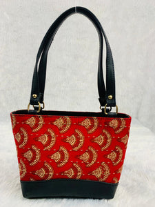 Handbags|Tote Style - red