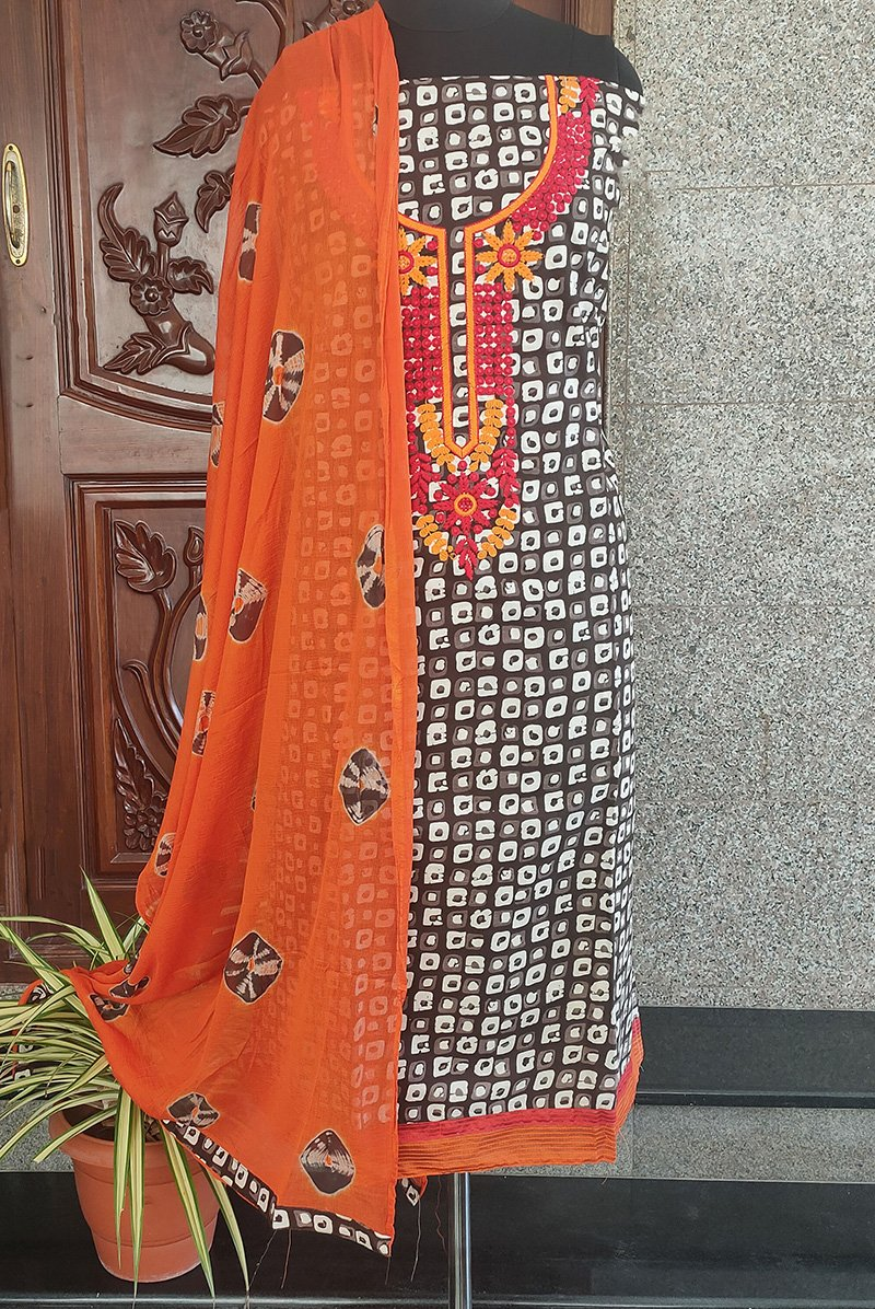 Aarvi grey/orange embroidered Salwar set - STUDIO PEHEL