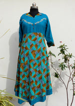 Load image into Gallery viewer, Aastha feroz blue floral rayon kurti - STUDIO PEHEL