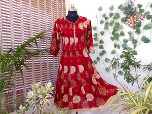 Aastha red biege pannelled cotton kurti