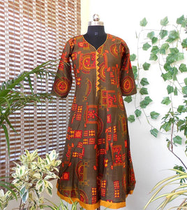 Aastha grey orange pannelled cotton kurti - STUDIO PEHEL