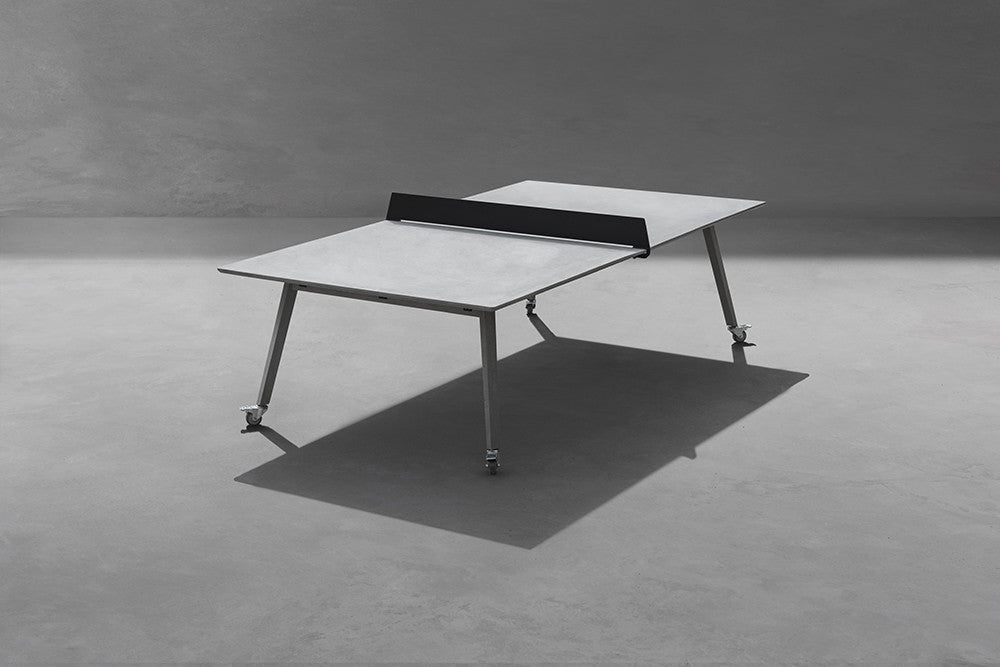 Ping-pong table / Concrete