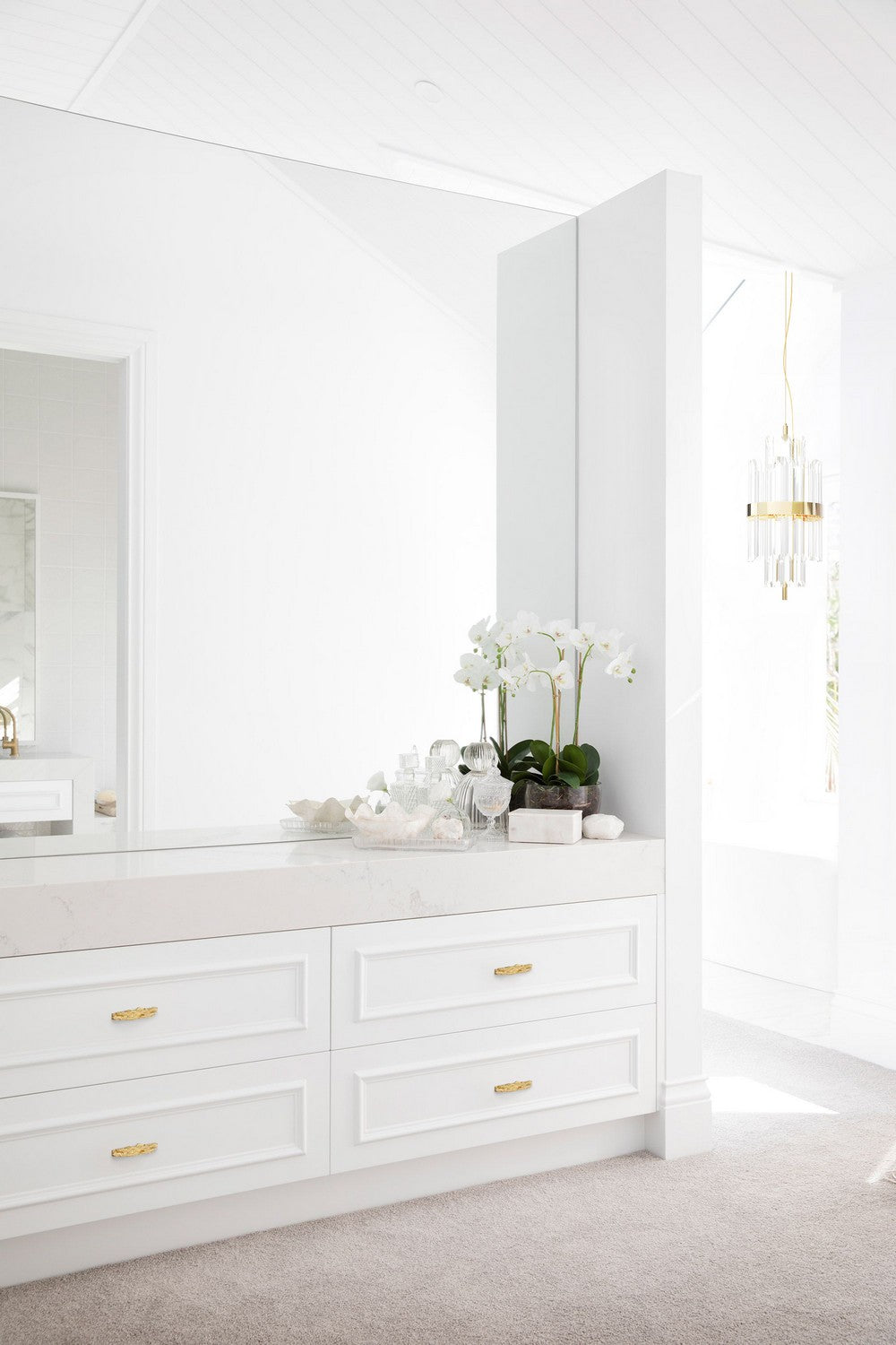 BATHROOM DESIGN IDEAS: ENHANCE YOUR SPACE WITH JEWELRY HARDWARE