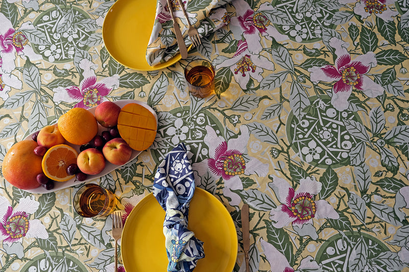 Native Hibiscus Garden Light Weight Table Cloth
