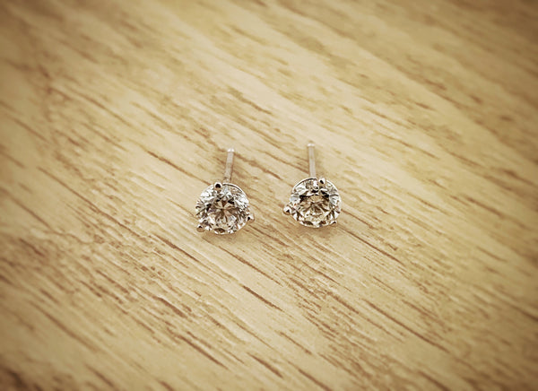 14k white gold .75ctw Diamond Studs