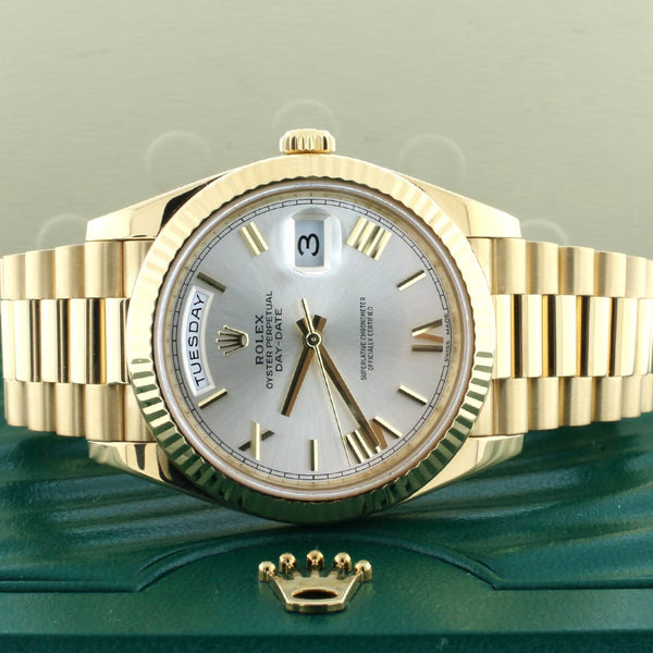 Rolex President Day-Date 40 18K Yellow Gold Factory Silver Roman Dial Automatic Mens Watch 228238