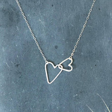 Load image into Gallery viewer, Scattered Heart Necklace