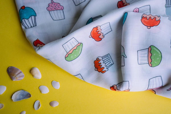 Cupcakes Muslin Cotton Swaddles for Baby wrap and Toddlers. Versatile blankets that can be used as breasteeding covers, stroller covers, towels and changing mat.