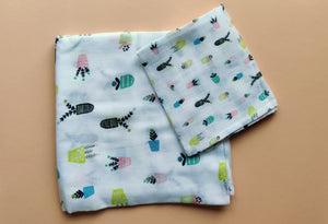 "Pots Muslin Swaddles (Set of 2; 43""x43"" and 24""x15"")"