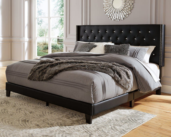 Vintasso Signature Design by Ashley Bed