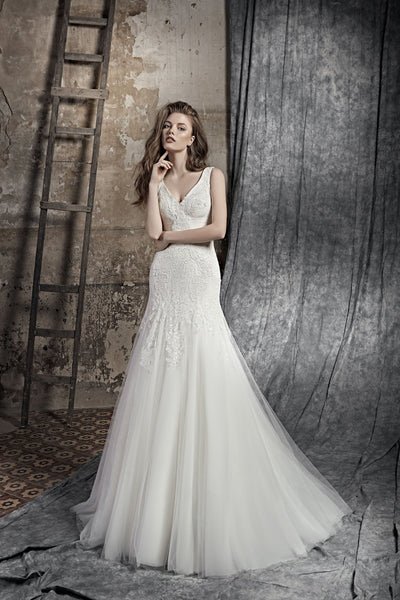 Maria - Mermaid Wedding Dress with V-Neck - Maxima Bridal