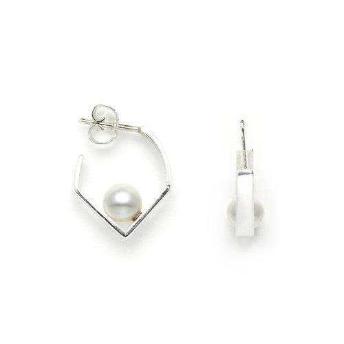 IRIS EARRING with pearl, silver