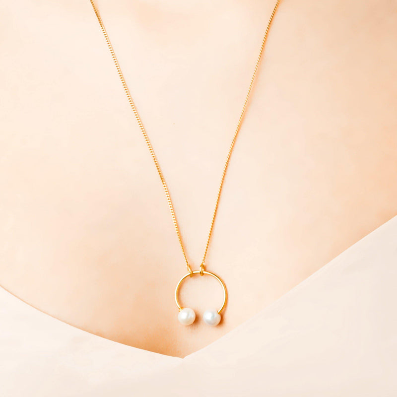 IRIS NECKLACE ROUND PIERCING STYLE
