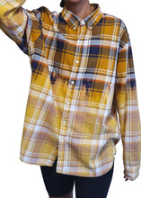 Load image into Gallery viewer, Ombre Levi's Plaid Shirt
