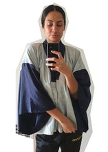 Load image into Gallery viewer, Two-Tone Kimono