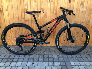 2018 CUSTOM BUILD CARBON TREK TOP FUEL  8.0 MEDIUM 29ER MTB (SHIMANO XT 11 SPEED EDITION) - Sportopia Cycles