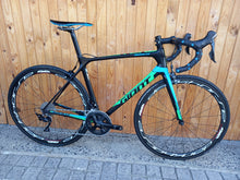 Load image into Gallery viewer, Pre-Owned Giant TCR ML - Sportopia Cycles