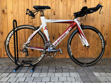 Load image into Gallery viewer, QUINTANA ROO - CARBON CALIENTE  PRE-OWNED 52CM TRIATHLON BIKE - Sportopia Cycles