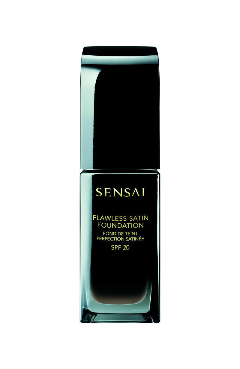 Flawless Satin Foundation SPF20 102 Ivory