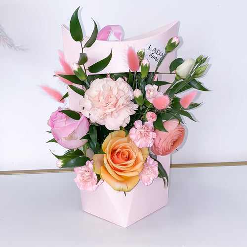 Flower Box Pink Lantern - Peach Heart