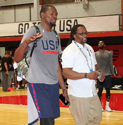Kevin Durant smokes weed