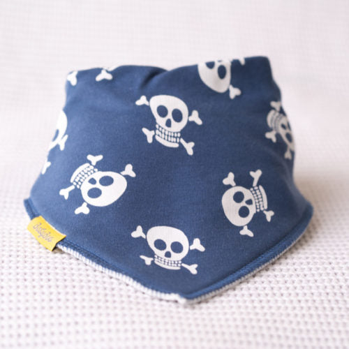 skull and crossbone babyboo bib