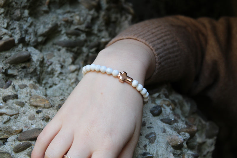 Howlite Rose Gold Cross Bracelet 6mm Model 2 - www.purestone.be
