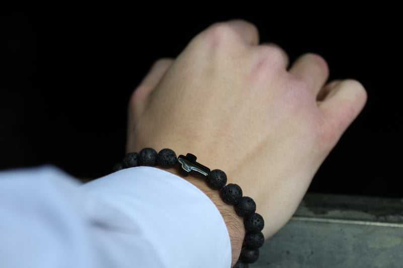 Lavastone Black Black Cross Bracelet 8mm Model 1 - www.purestone.be
