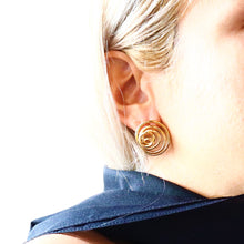 Load image into Gallery viewer, Swirl Thread Stud Earrings