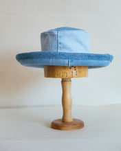 Load image into Gallery viewer, Sun Hat J, Size 2