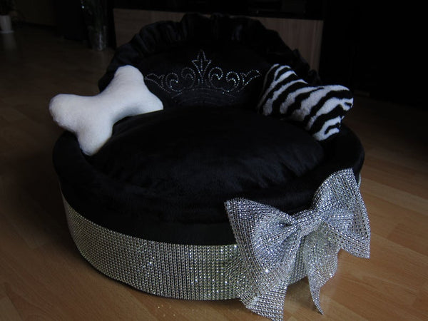 Handmade Diamond collection Black & Silver Dog Bed