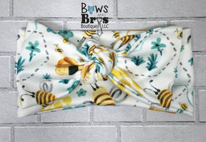 Buzy Beeing Adorable Bumble Bee Gender Neutral Coming Home Outfit- 1,2,3,4 or 5 Piece Set - Bows and Bros Boutique LLC
