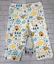 Load image into Gallery viewer, I'm A Keeper Bumble Bee Gender Neutral Coming Home Outfit- 1,2,3,4 or 5 Piece Set - Bows and Bros Boutique LLC