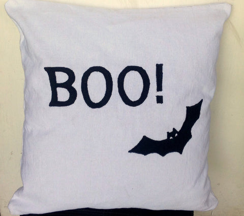 Holiday Pillow Covers, Halloween Pillow, Halloween Deoor, Bat Pillows, 18x18 Holiday cushion cover, Holiday Pillows IN STOCK