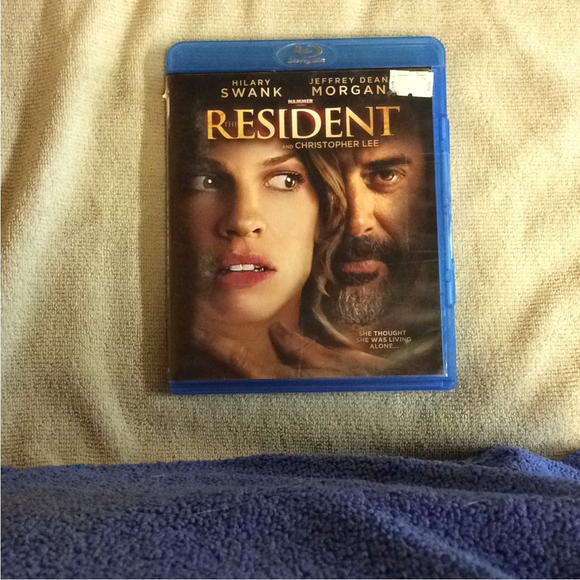 Resident - Blu-ray Drama 2010 NR | Disc Plus