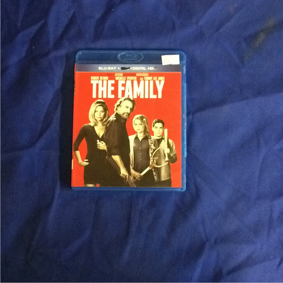 Family - Blu-ray Comedy 2013 R | Disc Plus