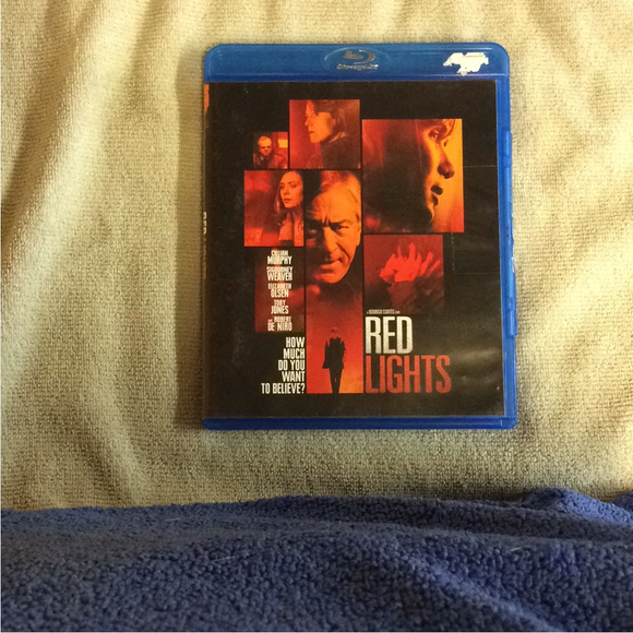 Red Lights - Blu-ray Suspense/Thriller 2012 R | Disc Plus