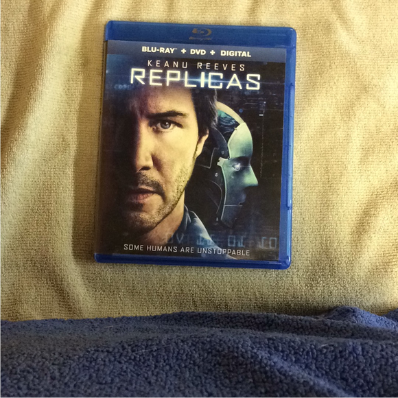 Replicas - Blu-ray SciFi 2018 PG-13 | Disc Plus