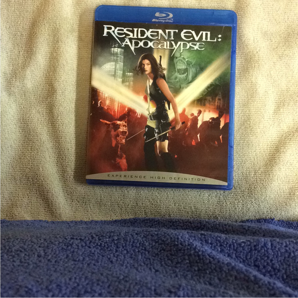 Resident Evil: Apocalypse - Blu-ray Action/Adventure 2004 R | Disc Plus