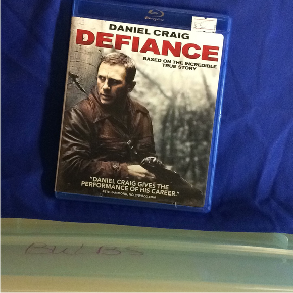 Defiance - Blu-ray War 2008 R | Disc Plus